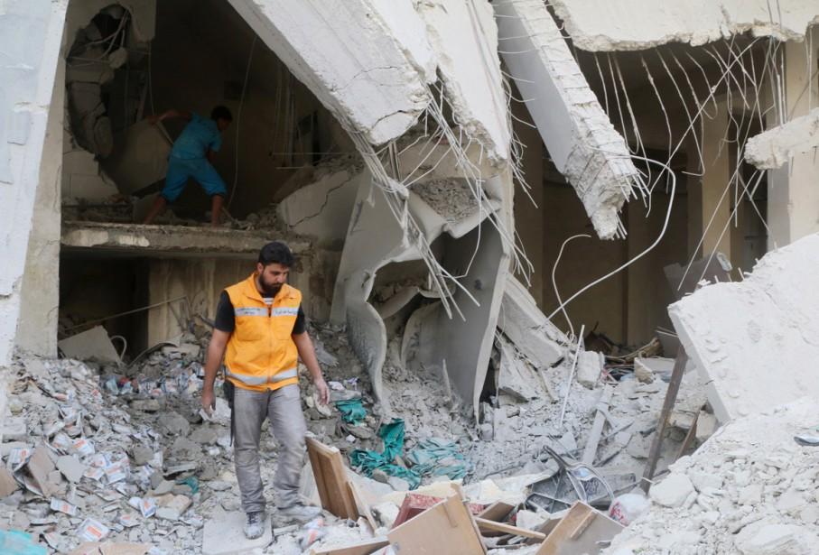 Alep a été de nouveau bombardé par le... (Photo Reuters)