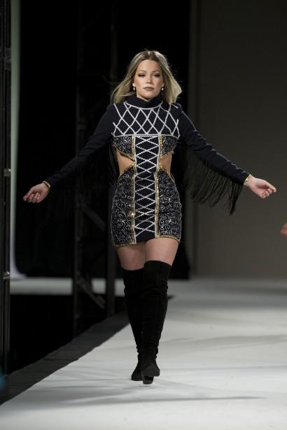 Défilé de l'Académie de mode Richard Robinson 2016. Une création deMorgan Finn, étudiante de 1ère année. ()