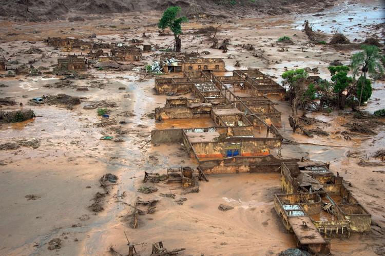 Un barrage minier avait cédé le 5 novembre... (PHOTO AFP)