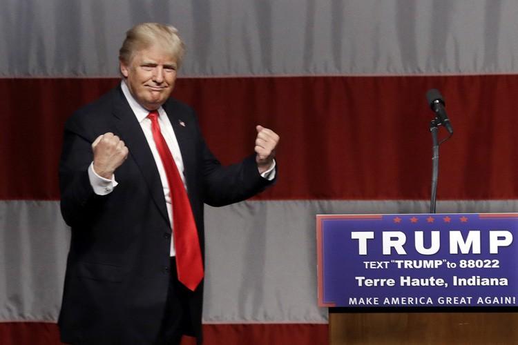 Depuis mardi, des républicains envahissent Twitter pour jurer... (PHOTO AP)