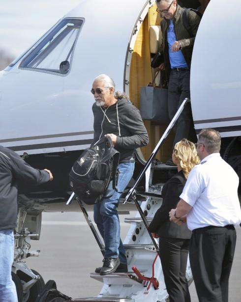 L'arrivée des membres de Pearl Jam à l'aéroport Jean-Lesage (Le Soleil, Jean-Marie Villeneuve)