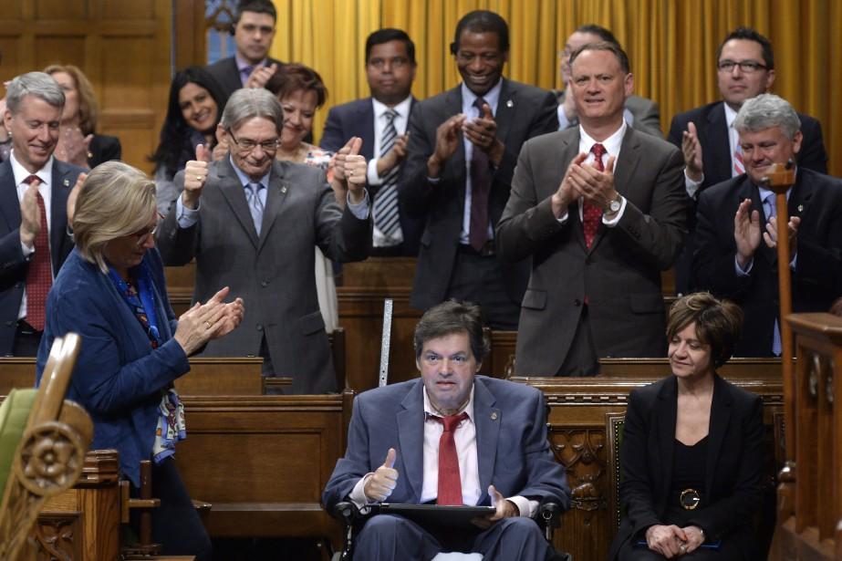 Mauril Bélanger, député d'Ottawa-Vanier, souffre de sclérose latérale... (PHOTO ADRIAN WYLD, LA PRESSE CANADIENNE)