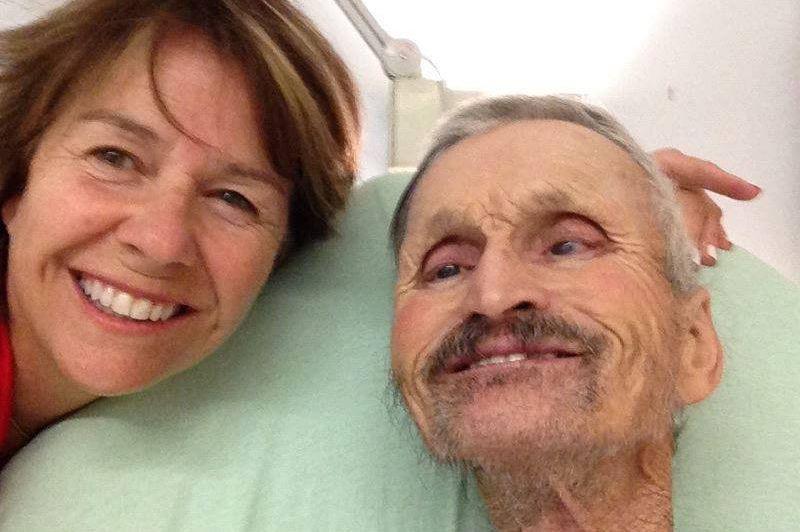 Jeanne Gaudreault aux côtés de Tonio. L'hospitalisation de... (PHOTO TIRÉE DE FACEBOOK)