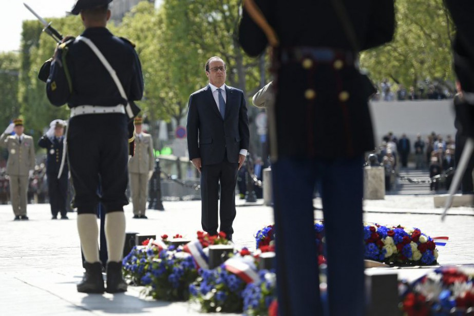 François Hollande... (Photo Lionel Bonaventure, Associated Press)