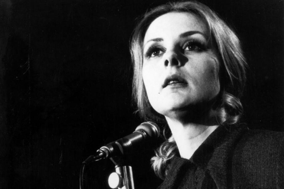Michèle Lalonde a récité son poème Speak White... (PHOTO FOURNIE PAR L'OFFICE NATIONAL DU FILM DU CANADA)