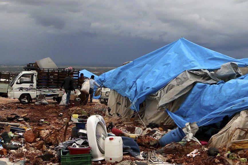 Une image captée par vidéo d'un camp de... (PHOTO TIRÉE D'UNE VIDÉO D'AFPTV)