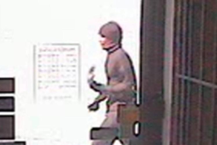 Un homme s'est présenté, arme à la main, devant une... (PHOTO FOURNIE PAR LE SPL)