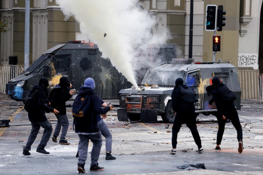 À Santiago du Chili, des incidents ont émaillé... (Photo Ivan Alvarado, Reuters)