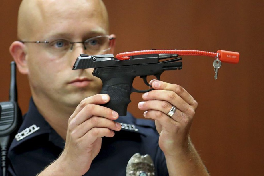 Le pistolet qui a été utilisé par George... (Photo Joe Burbank, archives AP)