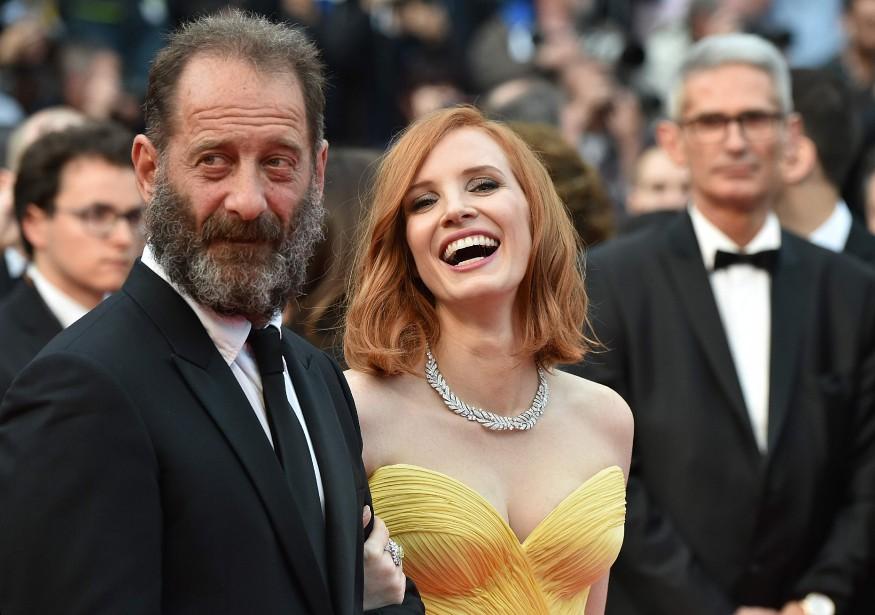 Le comédien français Vincent Lindon en compagnie de... (PHOTO AFP)