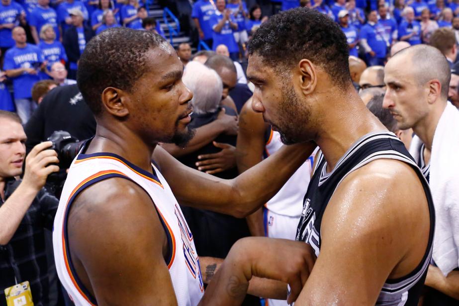 Kevin Durant (à gauche), du Thunder d'Oklahoma City,... (Photo Alonzo Adams, AP)