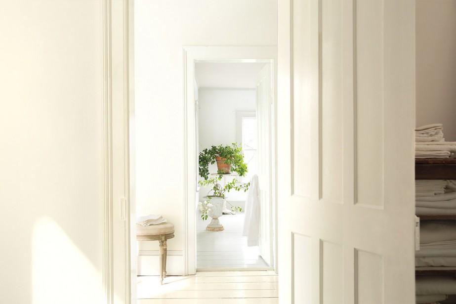 cinquante nuances de blanc sophie ouimet d coration. Black Bedroom Furniture Sets. Home Design Ideas