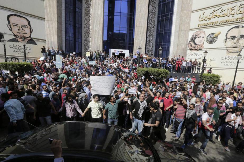 Le mois dernier, au Caire, des manifestants étaient... (Amr Nabil)