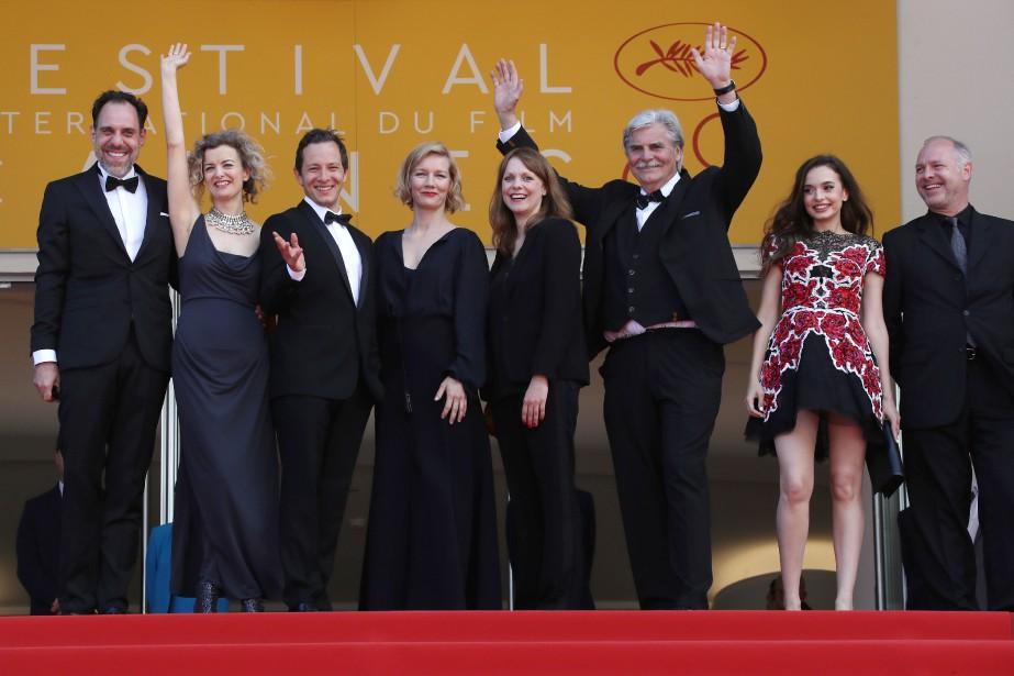 L'équipe du film Toni Erdmann s'apprête à assister... (PHOTO VALERY HACHE, AGENCE FRANCE-PRESSE)