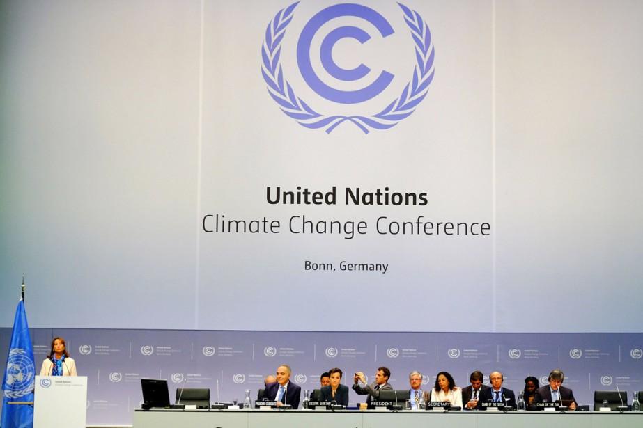 À l'ouverture, en séance plénière, l'appel à la... (PHOTO PATRIK STOLLARZ, AFP)