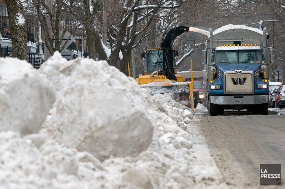 Montréal a reconnu avoir effectué plus de 26000... (Photo Robert Skinner, archives La Presse)