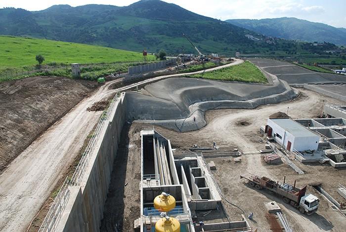 Le complexe Koudiat Acerdoune a été construit par... (photo fournie parSNC-Lavalin)