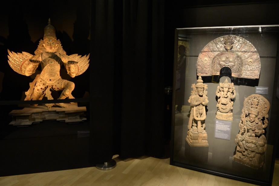 Voici quelques pièces provenant de la collection rassemblée à Larouche, dont une divinité hindoue surmontée d'une tête d'éléphant. (Photo Le Progrès-dimanche, Jeannot Lévesque)
