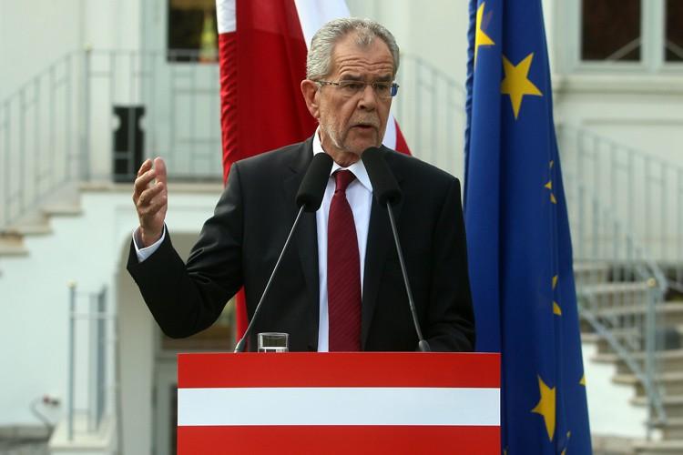 Alexander Van der Bellenest parvenu à séduire l'électorat... (PHOTO AP)
