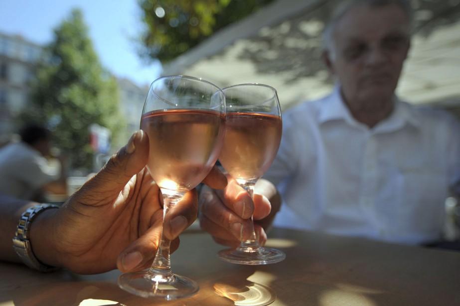 En volume, les exportations de vins rosés, qui... (PHOTO ANNE-CHRISTINE POUJOULAT, ARCHIVES AFP)