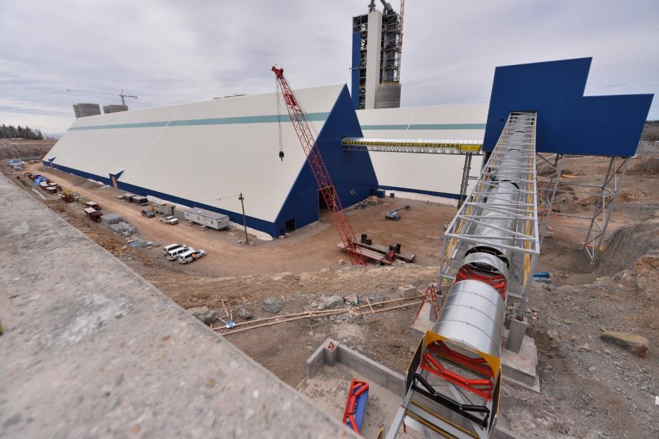 La construction de la future cimenterie de Port-Daniel-Gascons,d'une... (PHOTO FOURNIE PAR CIMENT MCINNIS)
