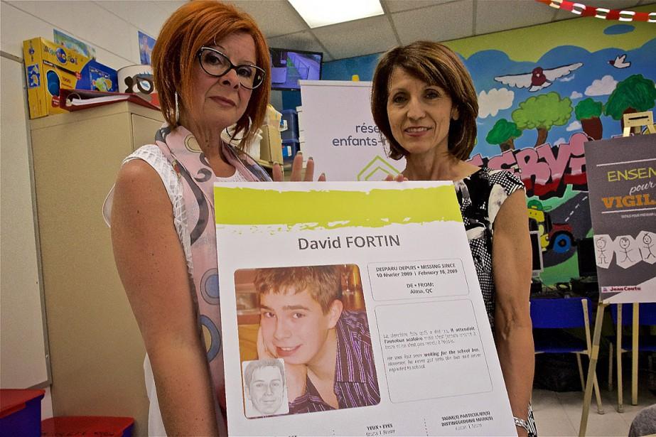 La mère de David Fortin,Caroline Lachance (à gauche),... (Photo André Pichette, La Presse)