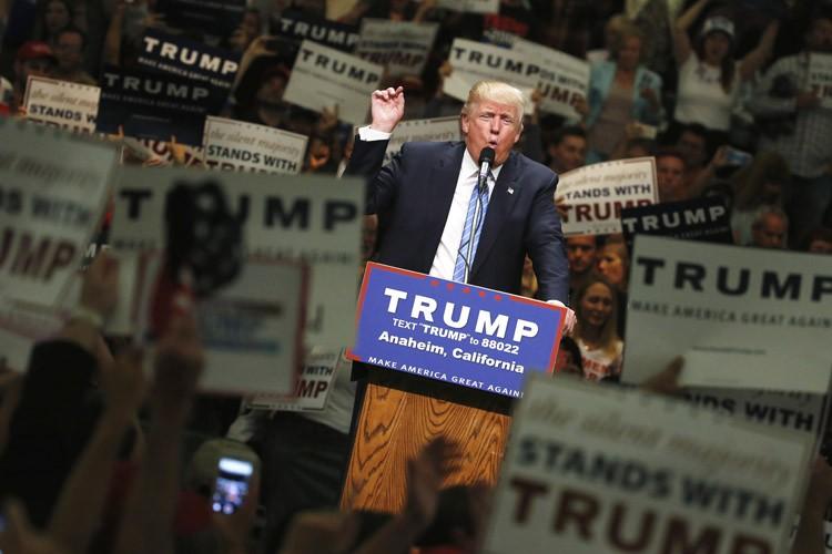 L'immigration est un sujet brûlant de la politique... (PHOTO REUTERS)
