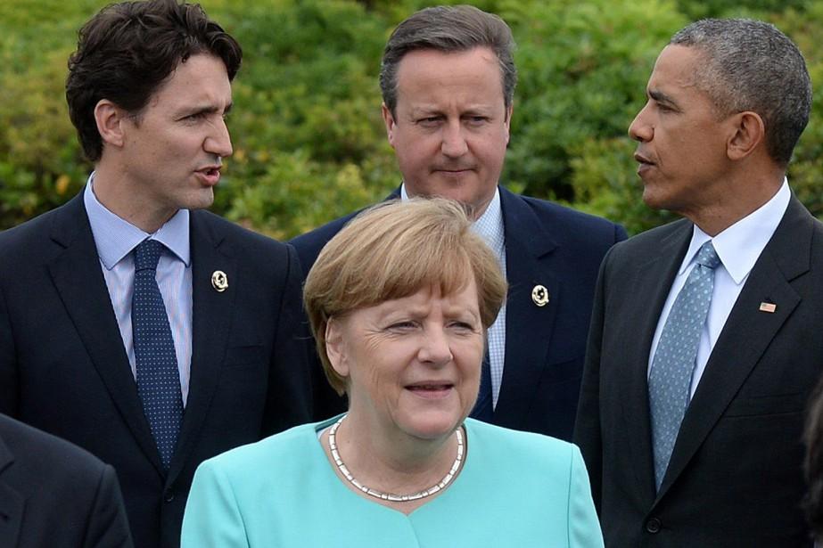 Le premier ministre Justin Trudeaua approché dans les... (Photo Sean Kilpatrick, PC)