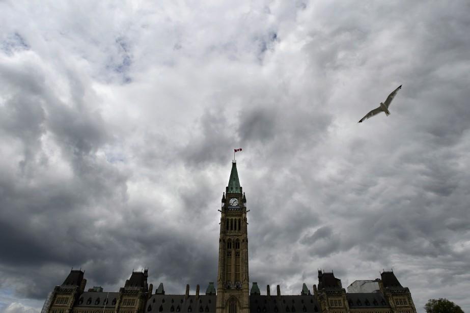 Les députés soutiennent que ces déplacements, qu'ils ne... (Photo Adrian Wyld, La Presse Canadienne)