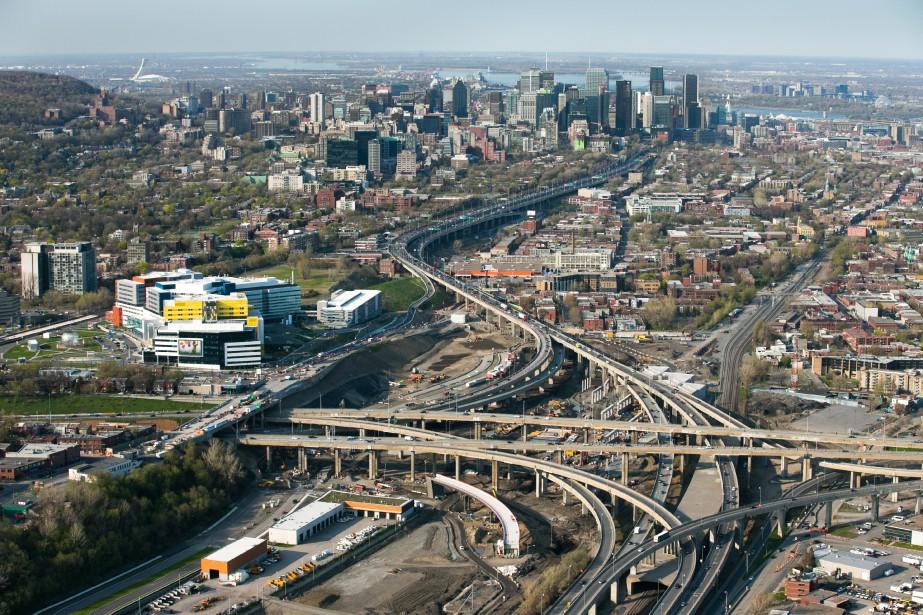 Un corridor ferroviaire intégré au projet Turcot risque... (PHOTO MARTIN TREMBLAY, LA PRESSE)