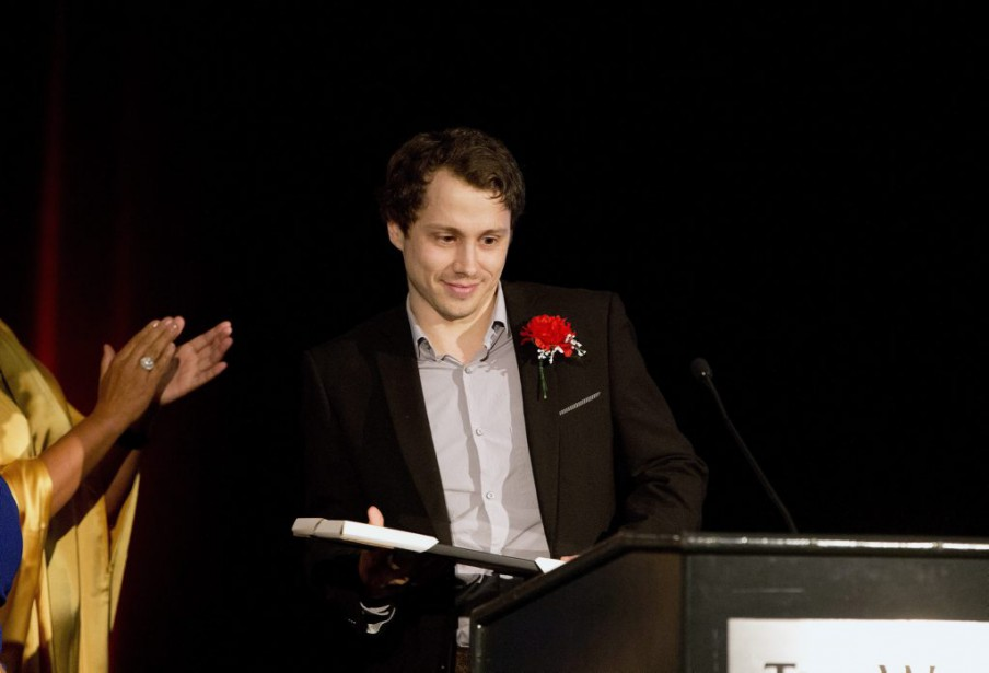 Paul Journet à la remise des prix, vendredi... (PHOTO JASON FRANSON, LA PRESSE CANADIENNE)