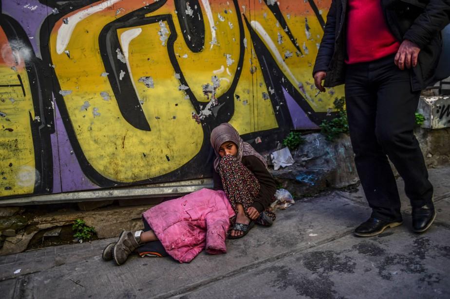 Les réfugiés sont toujours là et leur vie... (PHOTOBULENT KILIC, ARCHIVES AGENCE FRANCE-PRESSE)