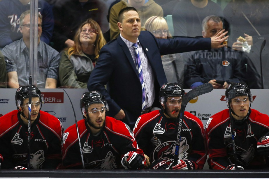 Gilles Bouchard a mis la main sur le... (Photo La Presse Canadienne)