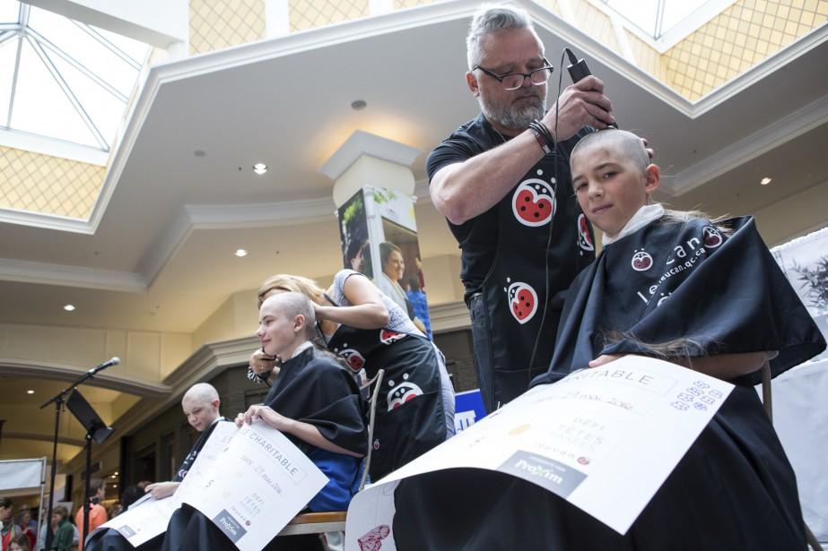 Ces jeunes garçons ont participé au Défi têtes rasées. (Olivier Croteau)