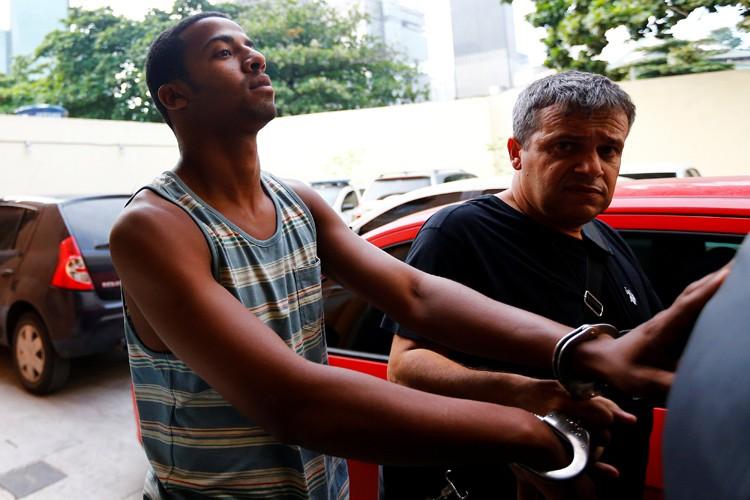 Les mandats d'arrêt et de perquisition concernent notamment... (PHOTO REUTERS)
