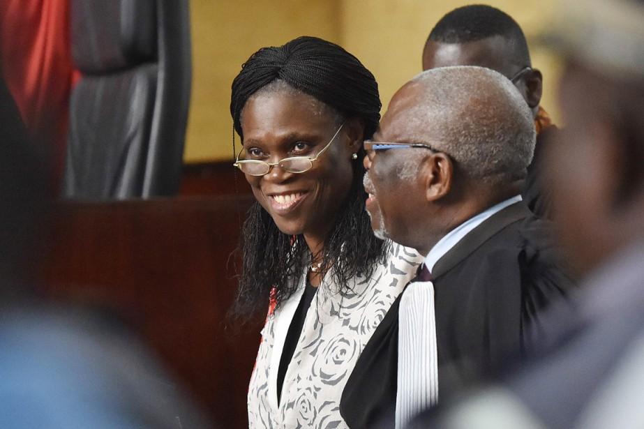 Simone Gbagbo arborait un grand sourire à son... (PHOTO  ISSOUF SANOGO, AFP)