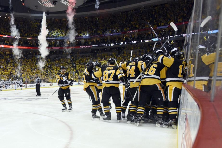 Avec cette victoire en poche, les Penguins mènent... (Photo Don Wright, USA TODAY)