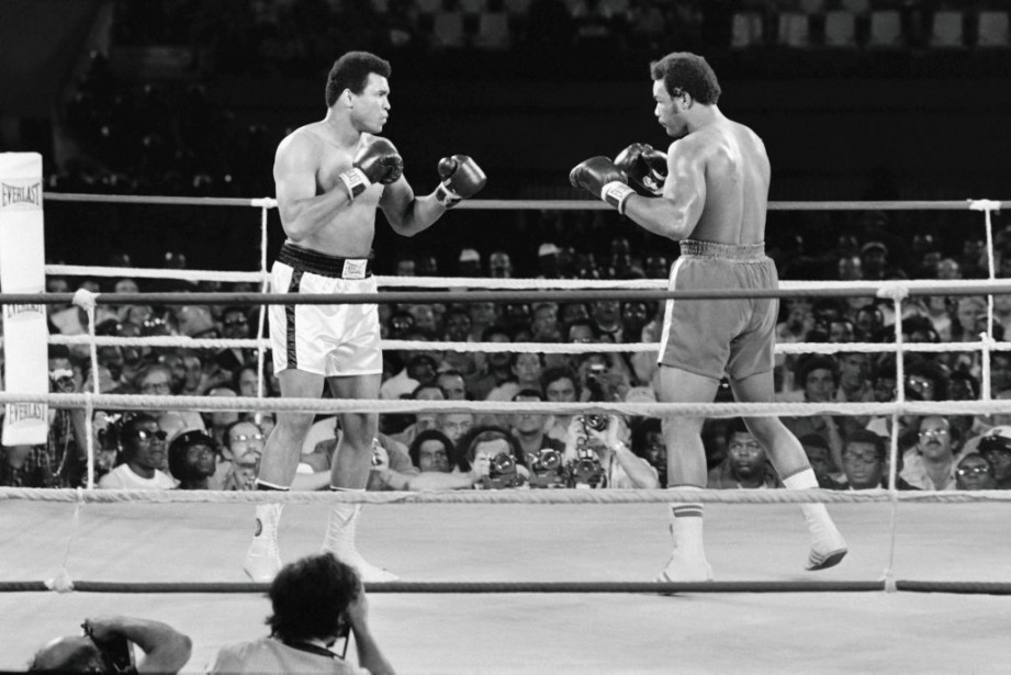 Muhammad Ali et George Foreman en 1974 à Kinshasa, au Kenya. (Photo Archives AFP)