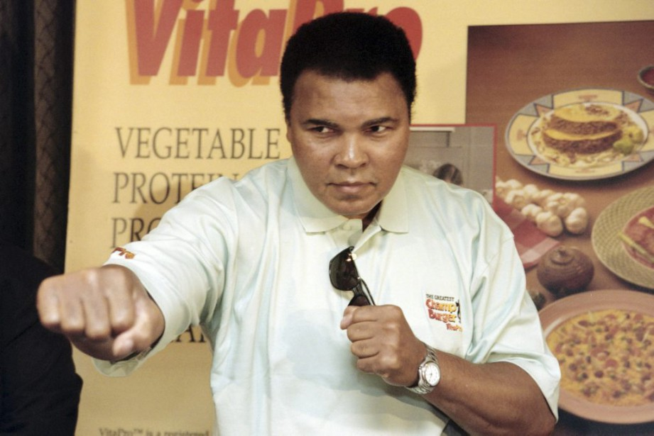 Muhammad Ali en 1996. (PHOTO JOHN MACDOUGALL, ARCHIVES AFP)