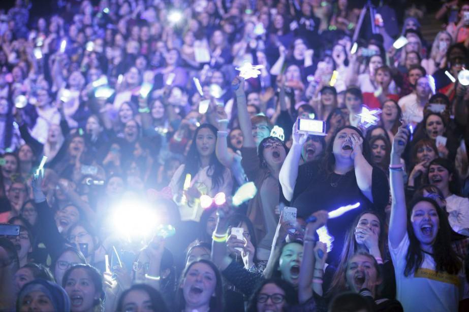 Des fans de K-Pop au KCON 2016.... (PHOTO THIBAULT CAMUS, AGENCE FRANCE-PRESSE)