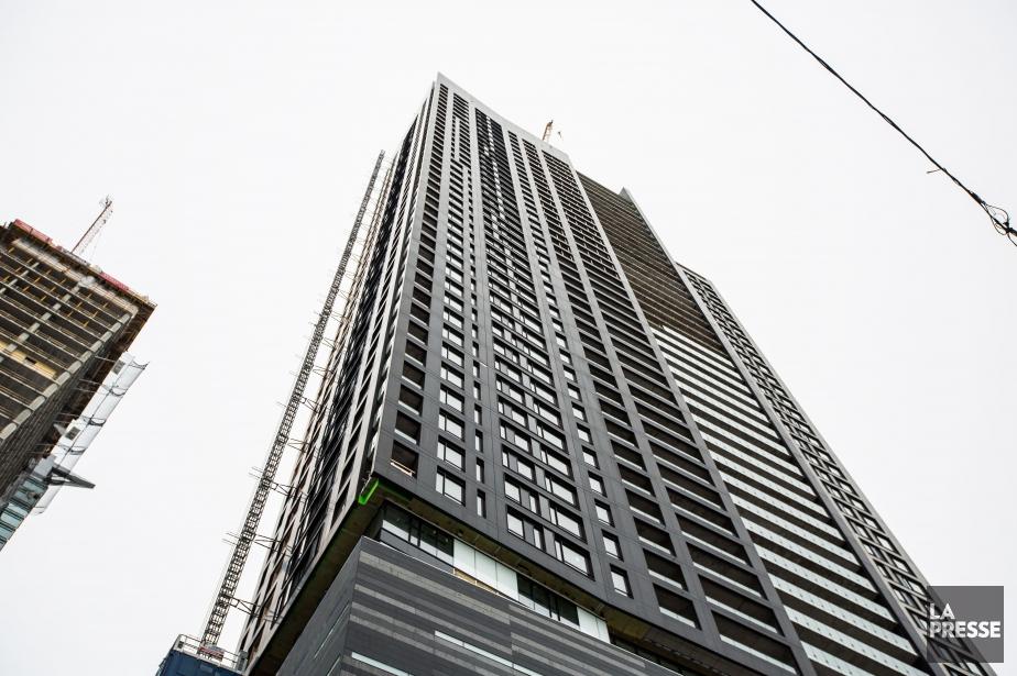 La Tour des Canadiens 2 atteindra 49 étages,... (PHOTO OLIVIER PONTBRIAND, LA PRESSE)