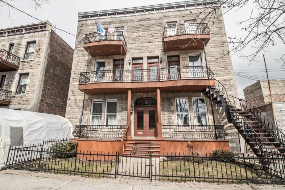 1421, rue Leclaire, Montréal, appartement (au 3e étage) avec terrasse privée.