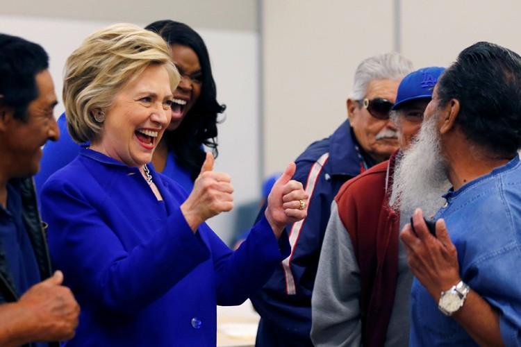 Hillary Clinton menait lundi sa campagne à Compton,... (PHOTO REUTERS)