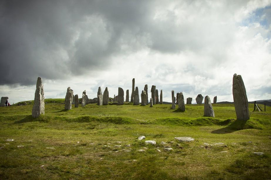 Les pierres de Calanais se dressent en gardiennes... (Photo Sira Chayer, collaboration spéciale)