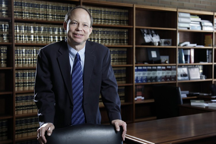 Le juge Aaron Persky.... (ARCHIVES AP)