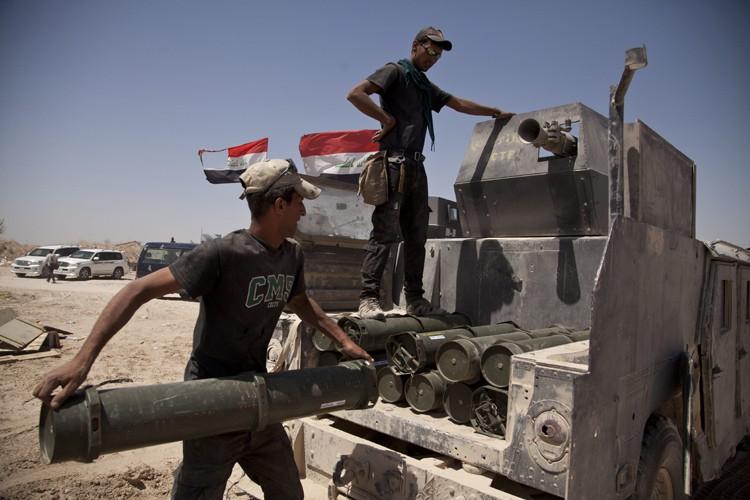 En Irak, la progression des troupes irakiennes à... (PHOTO AP)