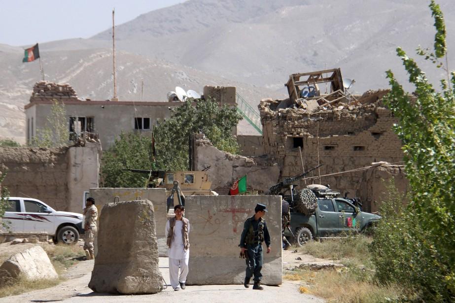 Au cours des dernières semaines, les talibans armés... (Photo archives Reuters)