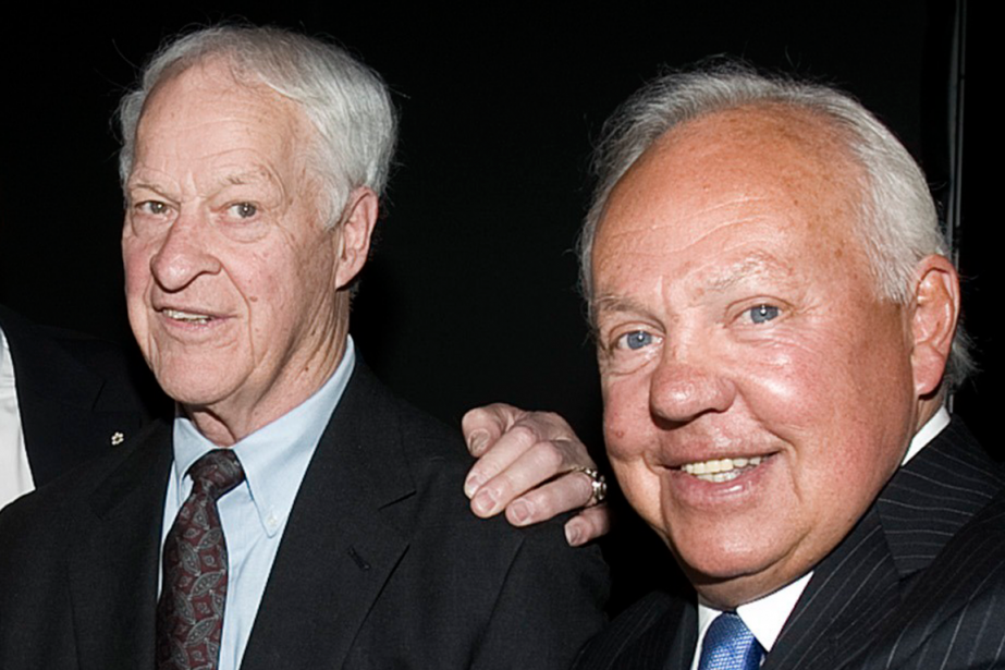 L'ex-capitaine du Canadien, Yvan Cournoyer (à droite), a... (Photo Christinne Muschi, archives Reuters)