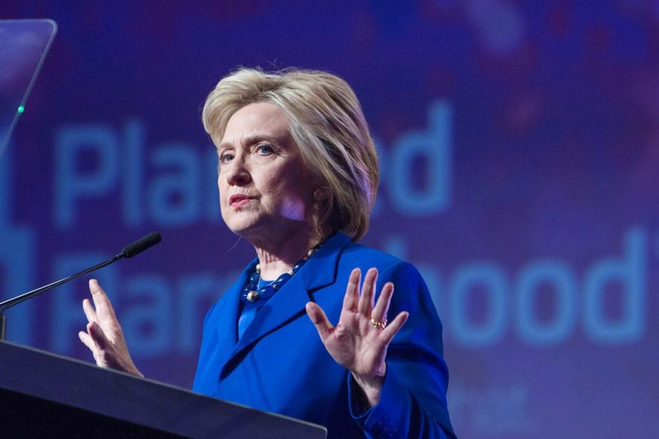 Hillary Clinton a de son propre aveu joué... (PHOTO CHRIS KLEPONIS, AFP)