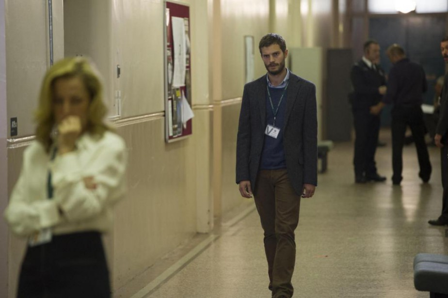 Dans The Fall, Gillian Anderson joue une détective tentant... (PHOTO STEFFAN HILL, BBC)